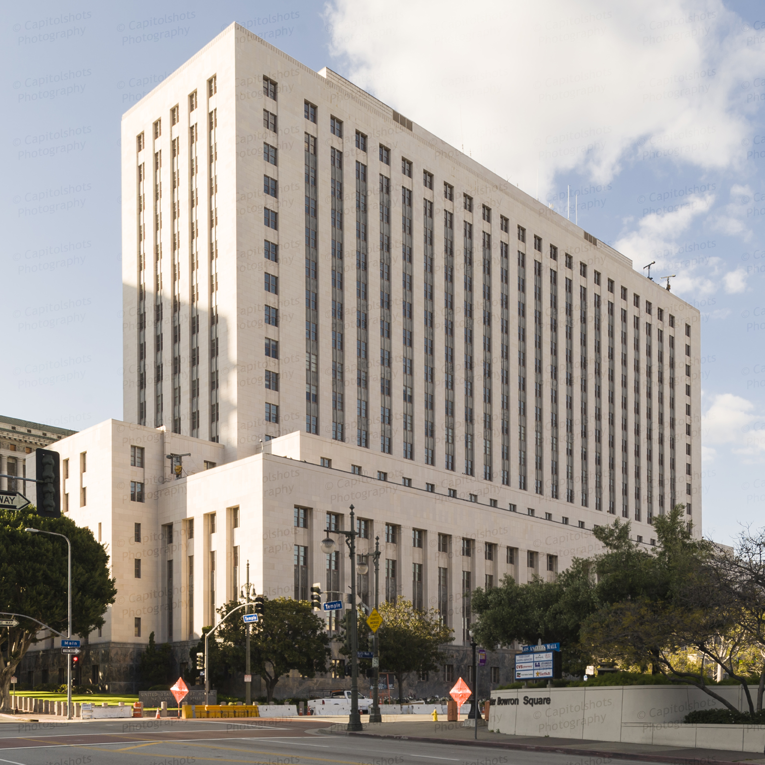 Los Angeles Small Houses: United States Courthouse (Los Angeles