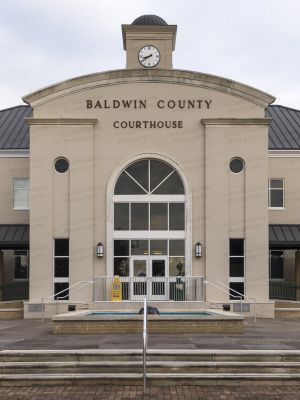 Baldwin-County-Courthouse-01002W.jpg