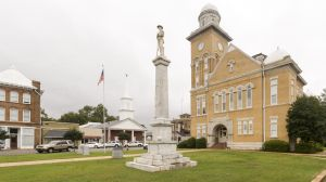 Bibb-County-Courthouse-01006W.jpg