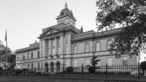 Cleburne-County-Courthouse-01003W.jpg