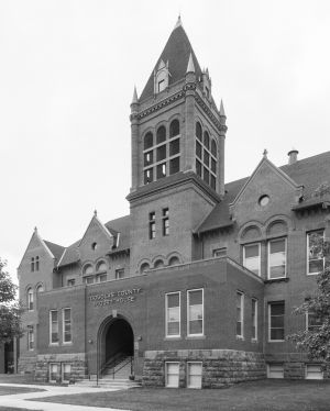 Douglas-County-Courthouse-01007W.jpg