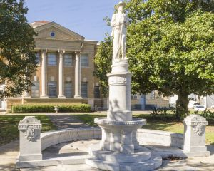 Copiah-County-Courthouse-01005W.jpg
