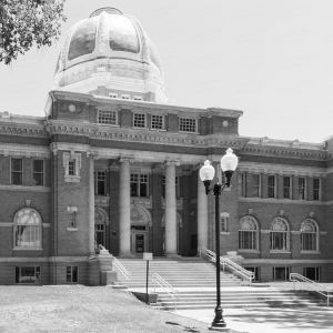 Chaves-County-Courthouse-01005W.jpg