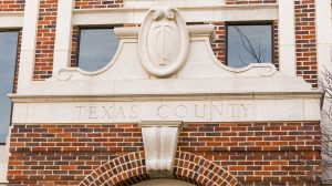 Texas-County-Courthouse-01003W.jpg