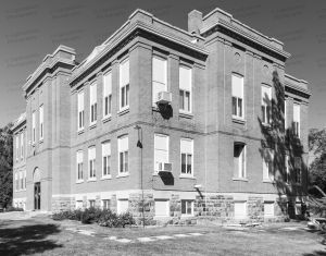 Former-Hanson-County-Courthouse-01006W.jpg