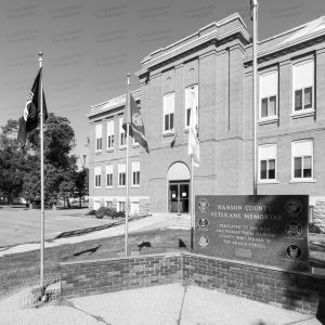 Former-Hanson-County-Courthouse-01007W.jpg