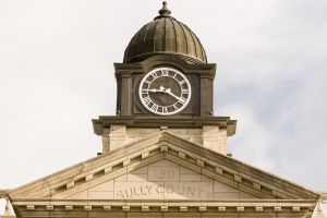 Sully-County-Courthouse-01009W.jpg