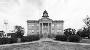 Sully-County-Courthouse-01014W.jpg
