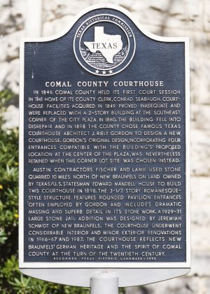 Comal-County-Courthouse-01008W.jpg