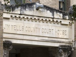 Jim-Wells-County-Courthouse-01007W.jpg