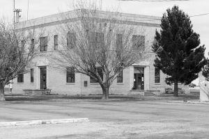Loving-County-Courthouse-01010W.jpg