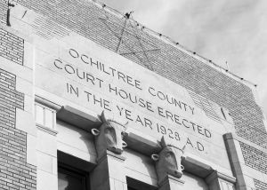 Ochiltree-County-Courthouse-01008W.jpg