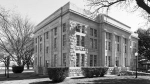 Schleicher-County-Courthouse-01004W.jpg
