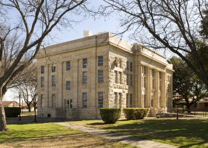 Schleicher-County-Courthouse-01013W.jpg