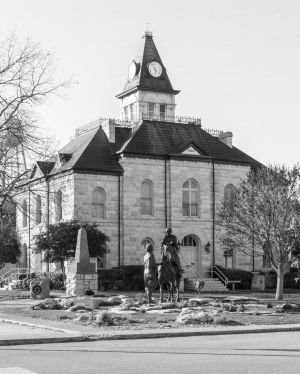 Somervell-County-Courthouse-01002W.jpg