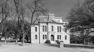 Sutton-County-Courthouse-01002W.jpg