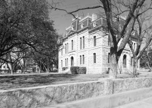 Sutton-County-Courthouse-01010W.jpg