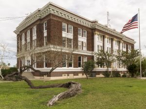 Willacy-County-Courthouse-01002W.jpg