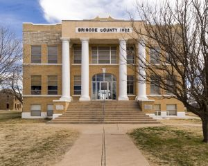 Briscoe-County-Courthouse-01005W.jpg