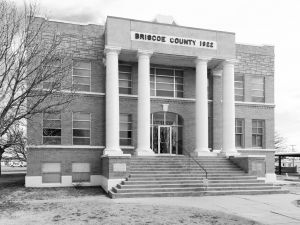 Briscoe-County-Courthouse-01006W.jpg