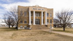 Briscoe-County-Courthouse-01009W.jpg