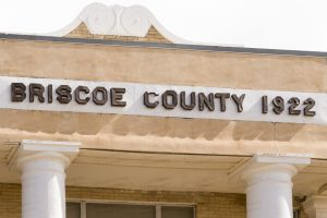 Briscoe-County-Courthouse-01016W.jpg