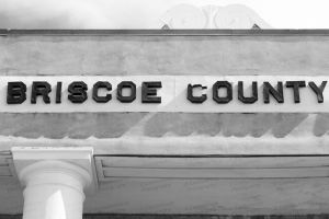 Briscoe-County-Courthouse-01017W.jpg
