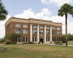 Kenedy-County-Courthouse-01010W.jpg