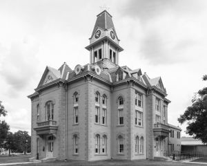 Newton-County-Courthouse-02004W.jpg