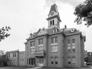 Newton-County-Courthouse-02005W.jpg