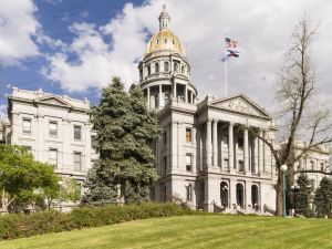 Colorado-State-Capitol-01011W.jpg