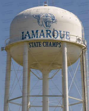 LaMarque-Water-Tower-01002W.jpg