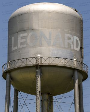 Leonard-Water-Tower-01002W.jpg