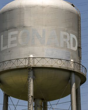 Leonard-Water-Tower-01003W.jpg