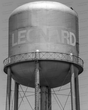 Leonard-Water-Tower-01004W.jpg