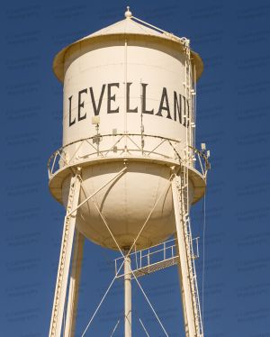 Levelland-Water-Tower-01002W.jpg