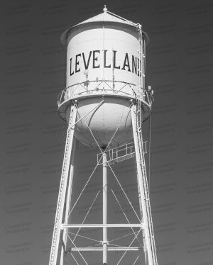 Levelland-Water-Tower-01004W.jpg