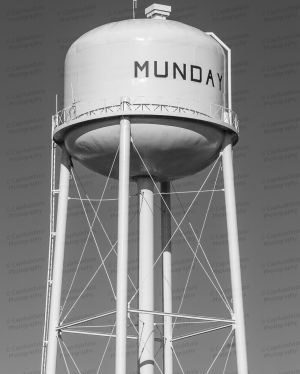 Munday-Water-Tower-01004W.jpg