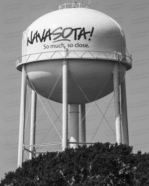 Navasota-Water-Tower-01004W.jpg