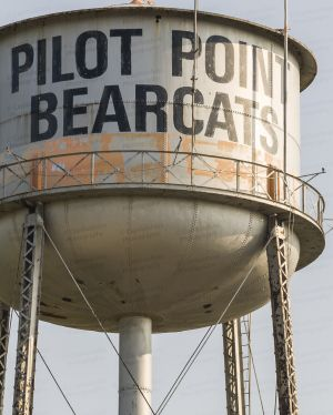 Pilot-Point-Water-Tower-01003W.jpg