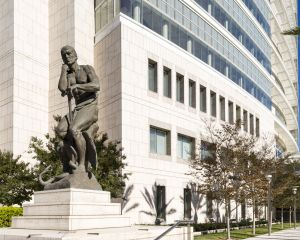 Ronald-Reagan-United-States-Courthouse-01006W.jpg
