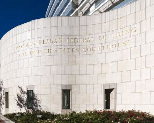 Ronald-Reagan-United-States-Courthouse-01010W.jpg