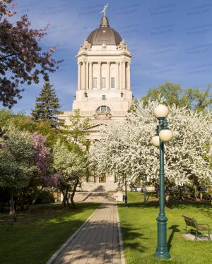 Manitoba-Legislative-Building-01002W.jpg