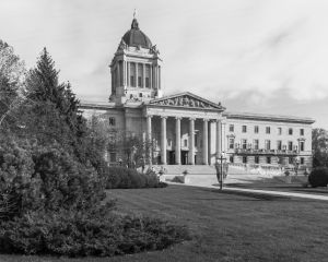 Manitoba-Legislative-Building-01003W.jpg