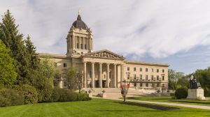 Manitoba-Legislative-Building-01004W.jpg