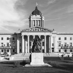 Manitoba-Legislative-Building-01006W.jpg