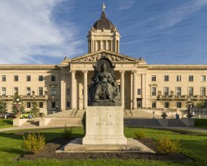 Manitoba-Legislative-Building-01007W.jpg