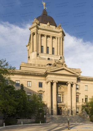 Manitoba-Legislative-Building-01014W.jpg