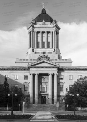 Manitoba-Legislative-Building-01015W.jpg