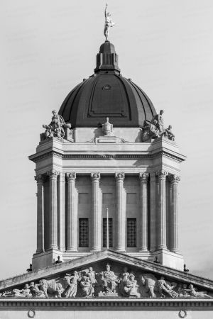 Manitoba-Legislative-Building-01027W.jpg